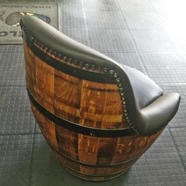 Barrel-Tub-Chair-02